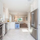 Marval Finished a Lavish Kitchen in Breezy Vancouver