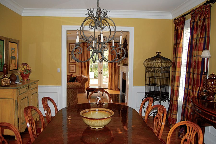 Dining room with moulding - before - Architectural Digest