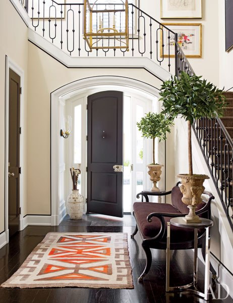 Entrance with moulding - after - Architectural Digest