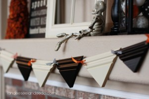 Halloween bunting out of trim