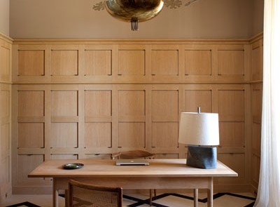 Oak paneled office - Photography By Jean-François Jaussaud - Luxproductions.com - ELLE Decor