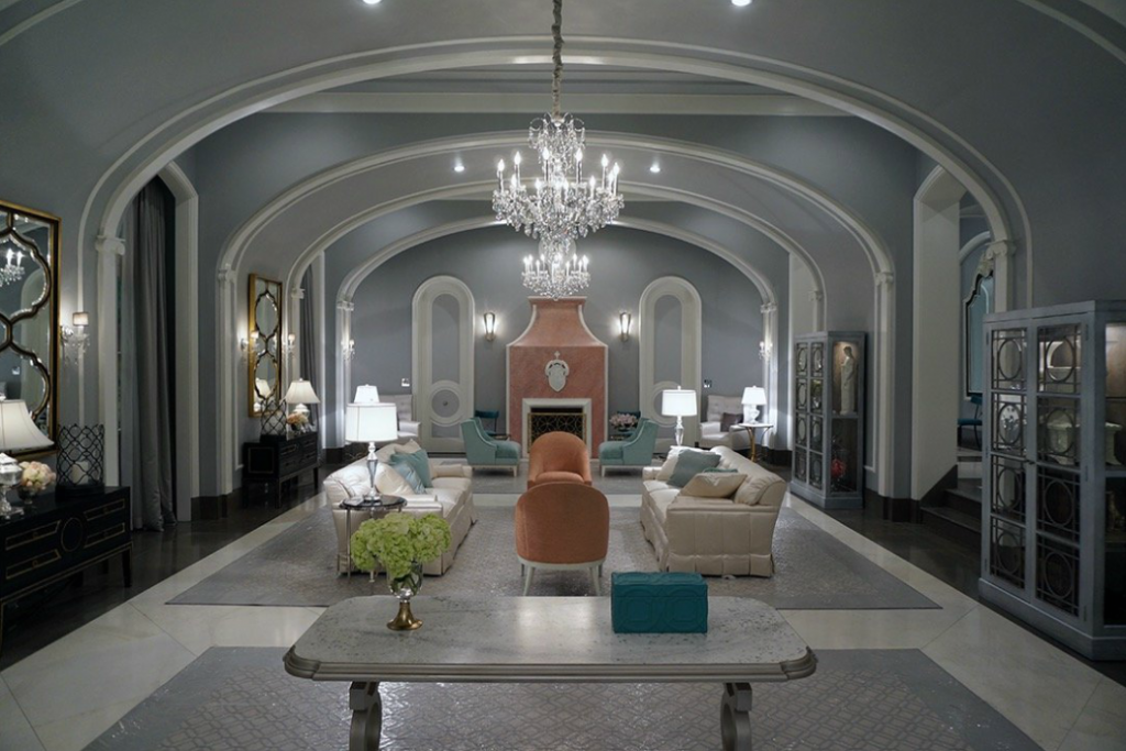 Finishings To Die For Touring Scream Queens S Kappa Kappa