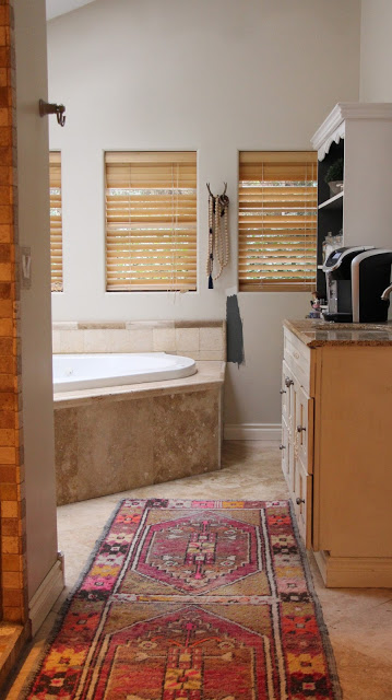 Melanie Thompson of My Sweet Savannah will transform her master bathroom for the Spring 2016 One Room Challenge. Source: My Sweet Savannah