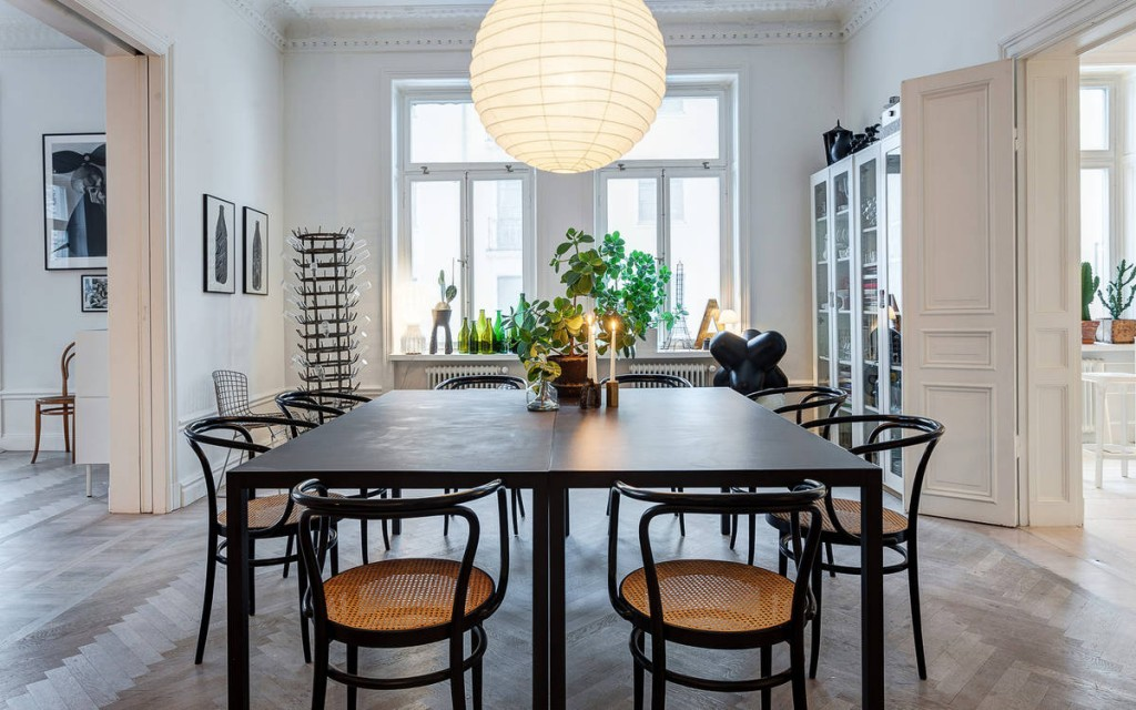 Scandinavian dining room by interior stylist Lotta Agaton. Image Source: La Maison d'Anna G.