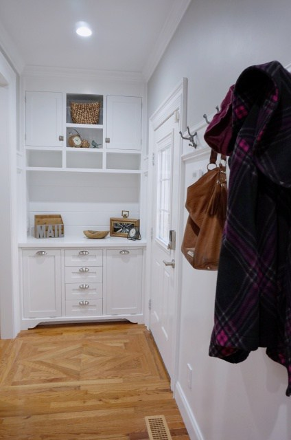Sawdust girl uses Metrie interior finishings to renovate her kitchen entry. Image source: Sawdust Girl.