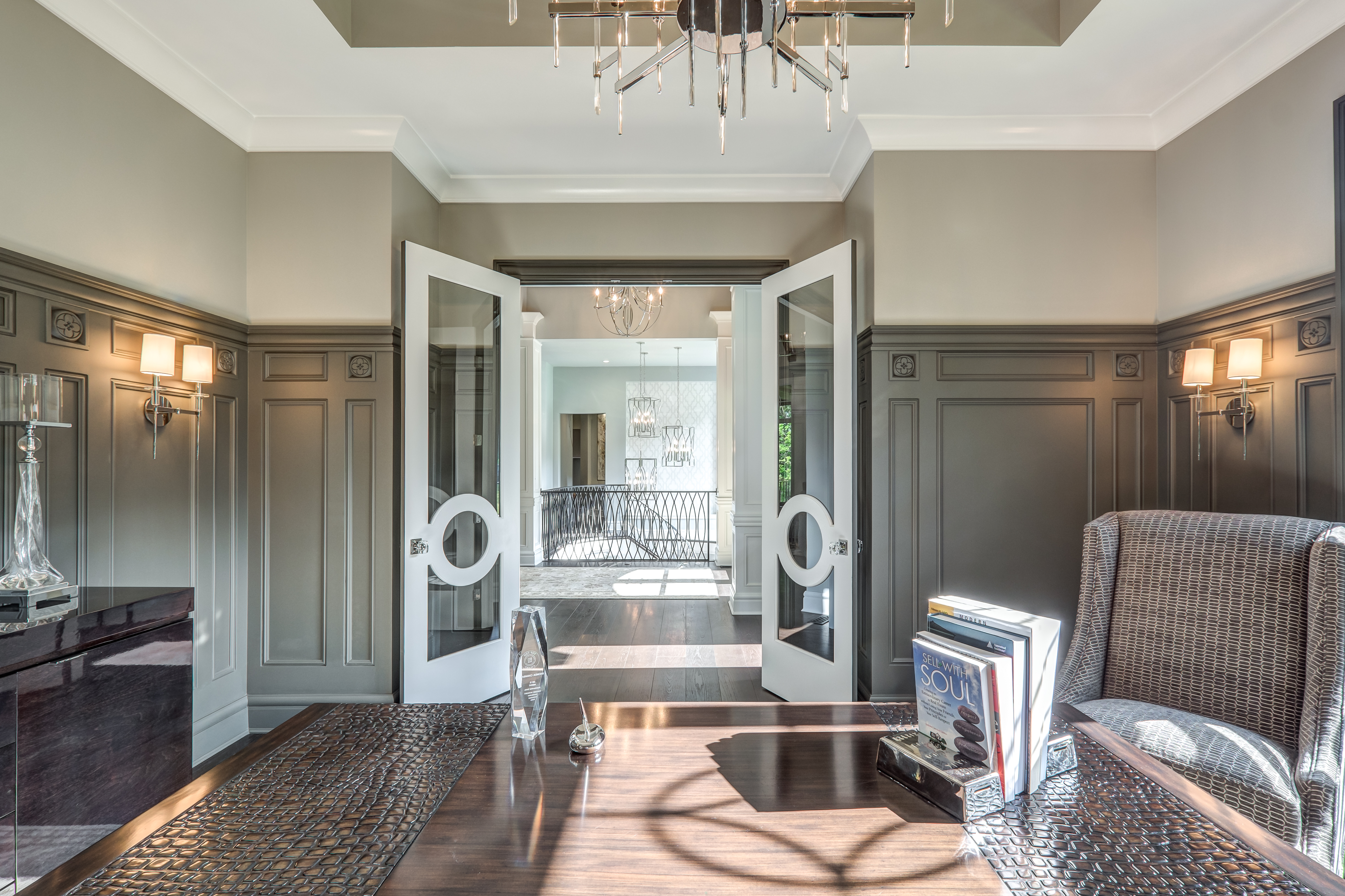 Shawn White of G.A. White Homes was one of the Metrie 2016 Builder & Design Challenge People's Choice Winners, and when you see this room, you'll know why!