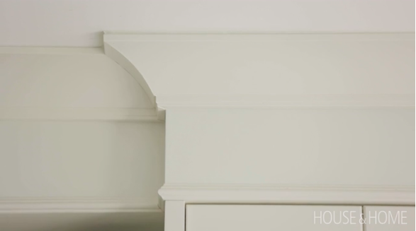 Metrie's Very Square Scene II crown moulding makes a regal appearance in Vanessa Francis's kitchen makeover brought to you by House & Home. Image Source: House & Home.