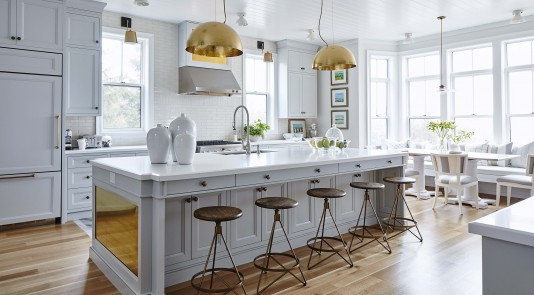 Sarah Richardson brings her dream kitchen to fruition.