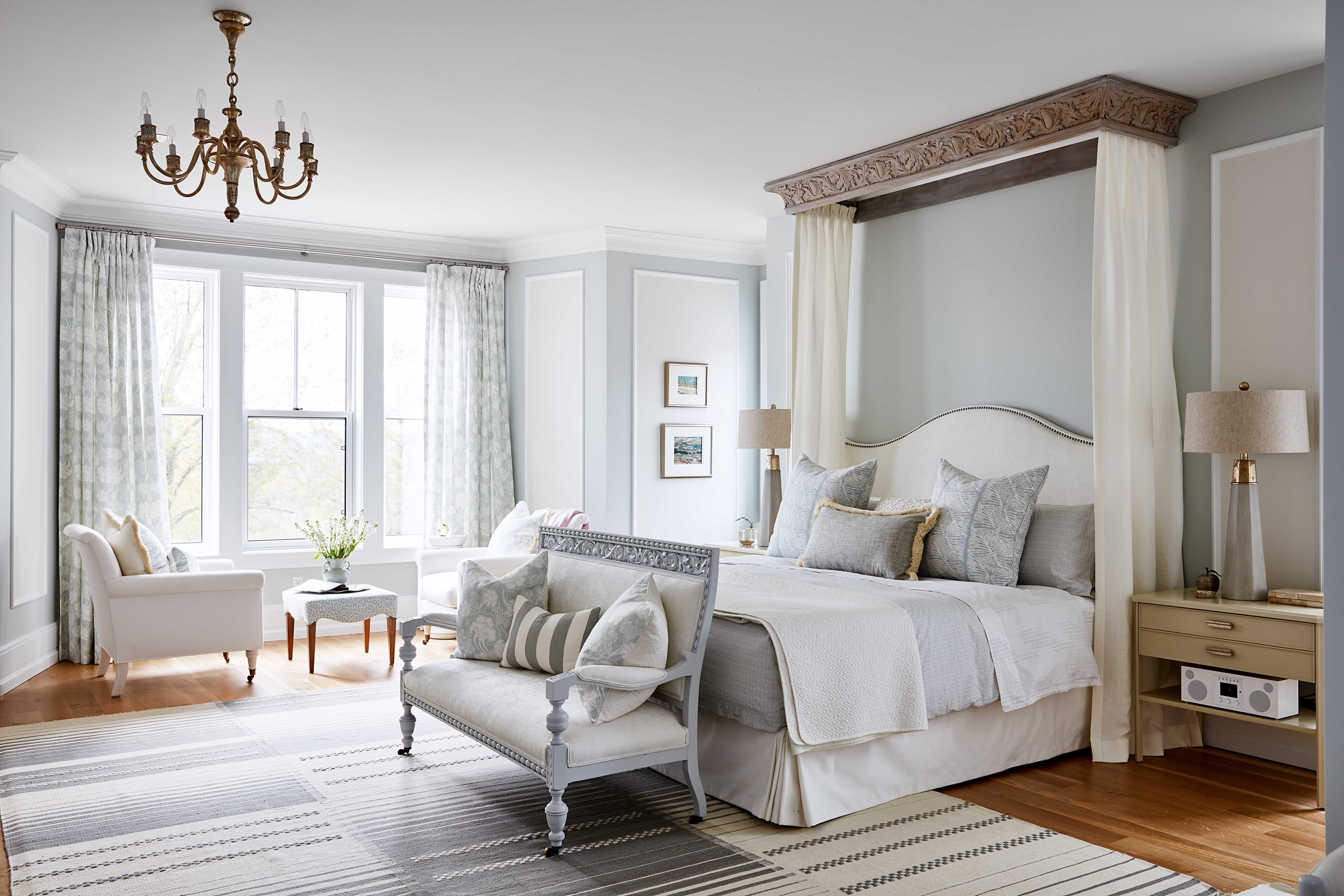 Metrie's Fashion Forward Collection Scene III baseboards makes a dazzling appearance in Sarah Richardson's dream room.