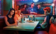 The cast of Riverdale at Pop's diner.