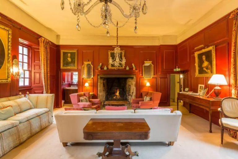 Former 'Game of Thrones' actress Rose Leslie's childhood home is relishing in beautiful trim.