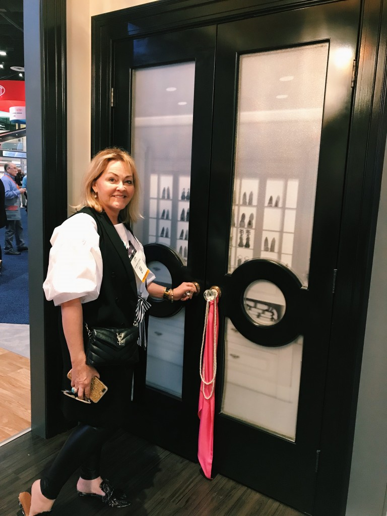Designer, Lisa Mende with Metrie's Fashion Forward doors