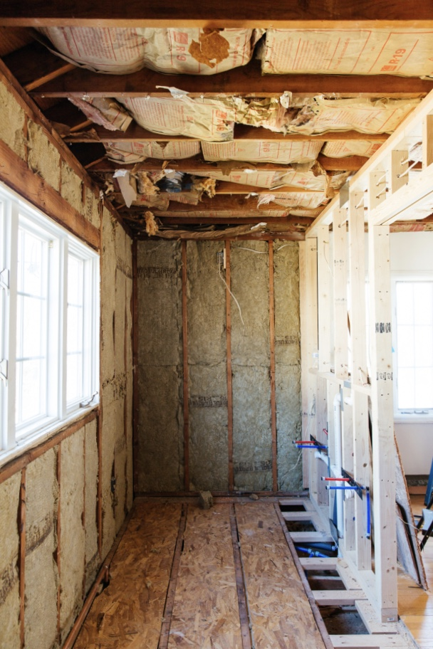 Erin Kestenbaum is looking to complete transform her master bathroom for the One Room Challenge