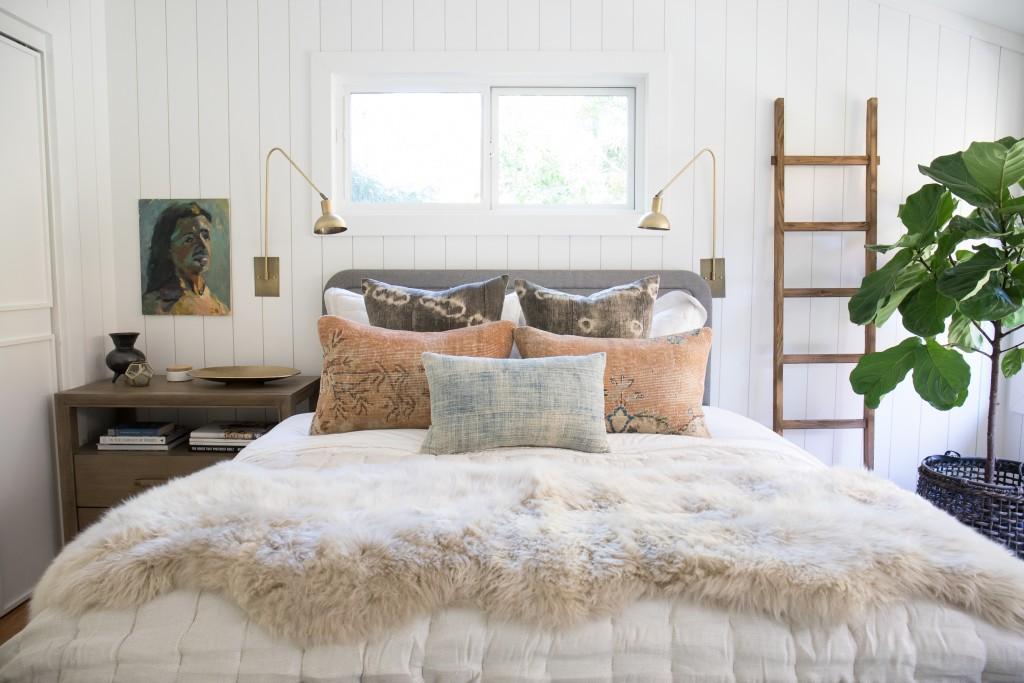 Brittany, of The Vintage Rug Shop, uses Metrie's shiplap in her bedroom makeover