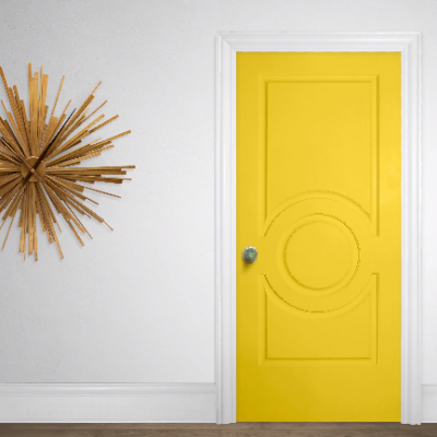 Metrie's Fashion Forward door dressed in yellow