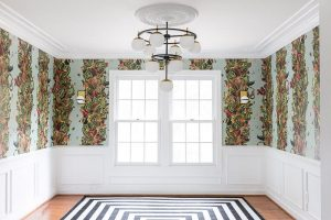 Jewel made a gorgeous statement in this space with Metrie moulding
