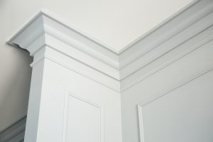 How to select crown moulding