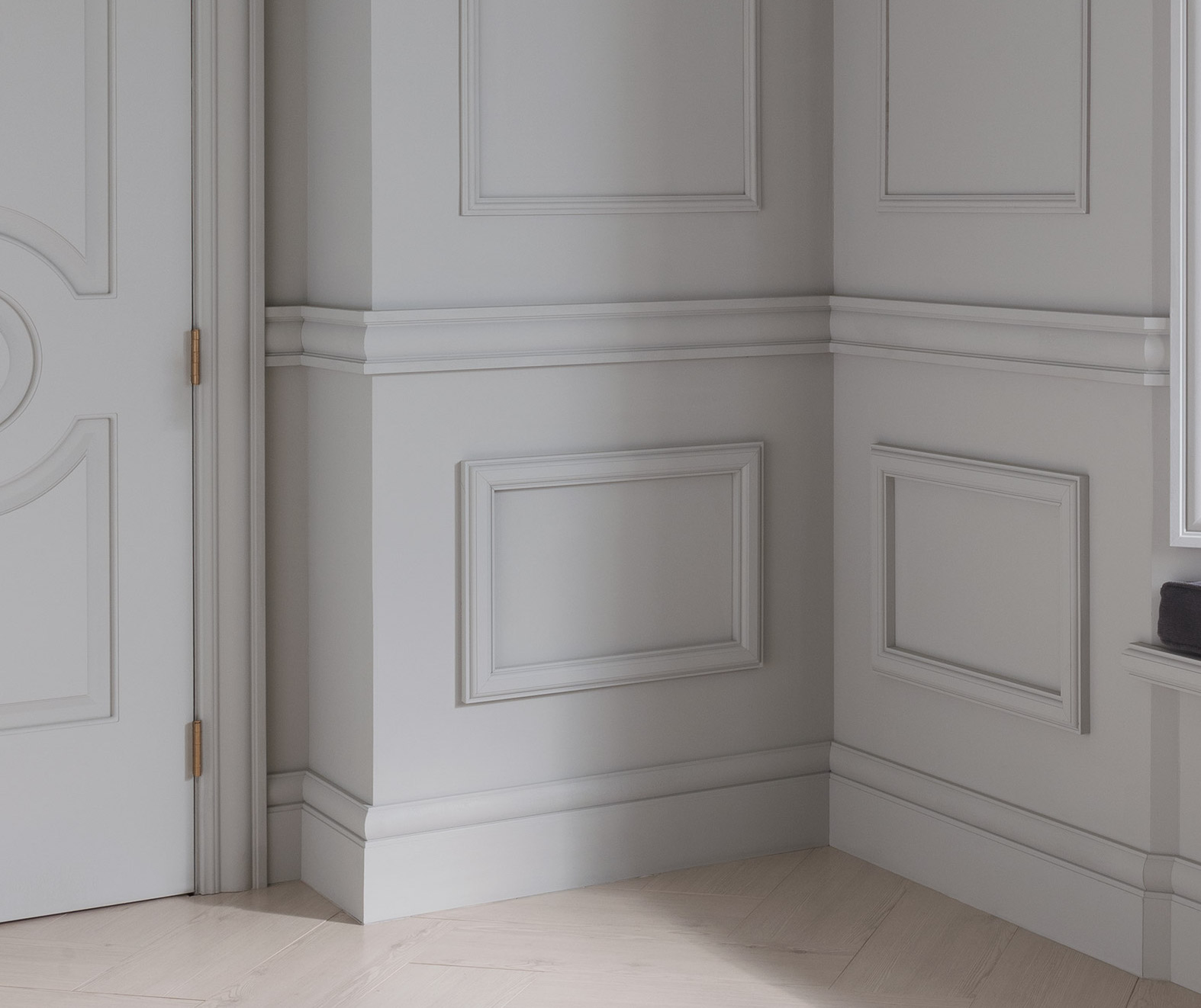 Wainscoting Door Amp Baseboards And Crown Molding Crown